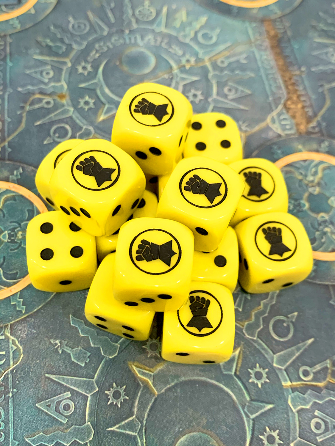 Rounded cornes solid dice